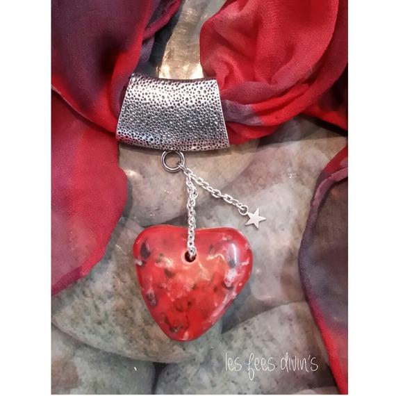 bijou coeur en argile rouge maill et foulard en soir les f es divin 39. Black Bedroom Furniture Sets. Home Design Ideas